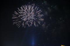 Einfaches Feuerwerk Lizenzfreie Stockbilder