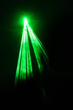 Einfaches grünes Laserstrahl Stockfotos
