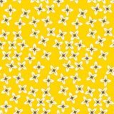 Einfaches nahtloses Muster mit vier Blumenblattblumen Lizenzfreies Stockfoto