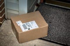 Einfaches Paket-Wohnlieferung Lizenzfreie Stockbilder