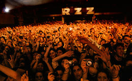 Einfaches Planband führt am Razzmatazz durch Lizenzfreie Stockfotografie
