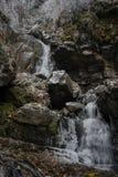 Einfrierender Wasserfall Stockbild