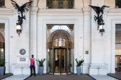 Eingang Boscolo Exedra Rom lizenzfreie stockfotos