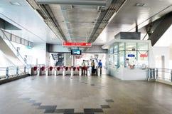 Eingang der Flughafen-Link Payathai-Station in Bangkok, Thailand. stockfotos