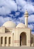 Eingang der Moschee Hauben und Minarett zeigend Stockbilder