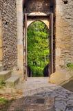 Eingang des alten Schlosses Kokorin Lizenzfreies Stockfoto