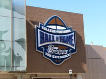 Eingang des College - Football-Hall of Fame, das Atlanta errichtet Lizenzfreie Stockfotografie