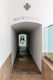 Eingang des Denkmals mit einem Grab, das einen gefallenen unbekannten Soldaten enthält Stockbild