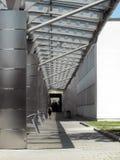 Eingang des Flughafens. Stockbilder