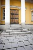 Eingang eines historischen Gebäudes in Turku, Finnland Stockfotografie