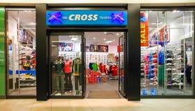 Eingang eines Mode-Schuh-Einzelhandelsgeschäftes lizenzfreie stockfotografie