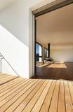 Eingang vom Balkon, das Leben übersehend Stockfotos