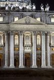 Eingang von St. Peters Basilica in Rom Quadrat Str Italien Stockfotografie