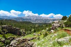 Eingang von Tinaztepe-Höhlen in Konya Lizenzfreies Stockfoto