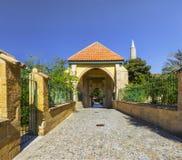 Eingang zu Hala Sultan Tekke lizenzfreies stockbild