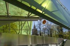 Eingang zu Swietokrzyska-Station der Linie Warschau-U-Bahn zweite Lizenzfreies Stockfoto