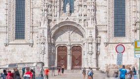 Eingang zu timelapse Mosteiro DOS Jeronimos, ein in hohem Grade aufwändiges ehemaliges Kloster stock video footage