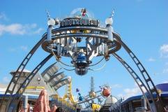 Eingang zu Tomorrowland in der Disney-Welt lizenzfreie stockfotografie