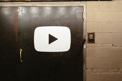 Eingang zu Youtube-Büro in Chelsea Market stockfotos