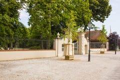 Eingang zum alten Schloss Stockfotos