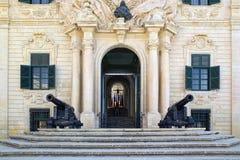 Eingang zum Büro Stockfotos