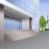 Eingang zum Gebäude mit Treppe und Lampen Stockbilder