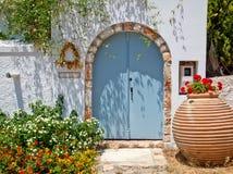 Eingang zum griechischen Haus Stockfoto