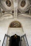 Eingang zum Heiligen George Church - Bukarest, Rumänien Lizenzfreies Stockfoto