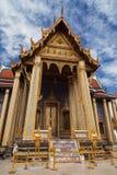 Eingang zum königlichen Pantheon bei Wat Phra Kaew stockbild
