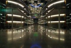 Eingang zum modernen Bürohaus Stockfoto