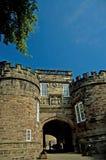 Eingang zum Schloss Lizenzfreie Stockbilder