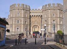 Eingang zum Windsor Schloss in England Stockbild