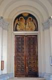 Eingang zur armenischen Kirche, Bukarest, Rumänien Stockbilder