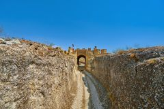 Eingang zur Ovech-Festung Stockfotos