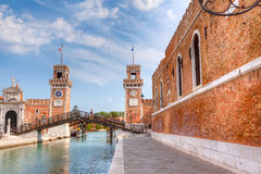 Eingangstor des Arsenale, Venedig Stockfotos