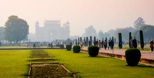 Eingangstor für Taj Mahal in Agra stockbilder