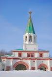 Eingangstore in Kolomenskoye-Park. Stockfotos