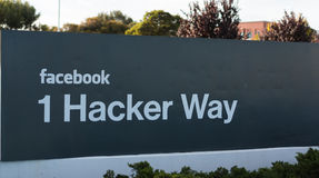 Eingangszeichen Facebooks Inc. im Planungs- und Führungsstab in Kalifornien Stockbilder