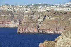 Eingedrückte Seeküste von Santorini, Griechenland Stockfotos