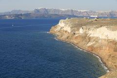 Eingedrückte Seeküste von Santorini, Griechenland Stockfoto