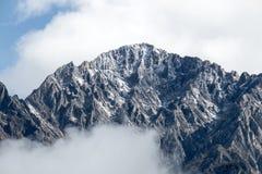 Eingehüllt in Wolken stockfoto