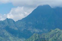 Eingehüllter Berg Waialeale stockbilder
