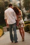 Eingerückte Paare, die ihre Liebe ausdrücken lizenzfreies stockbild