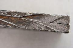 Eingeschobene Stahlplatten stockfoto