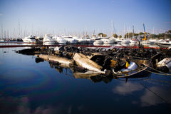 Eingestürzte Boote Stockfotos