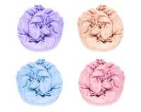 Eingestellt empfindlich, weich und zerknittert verdreht in einem Kreisgewebe der rosa, purpurroten, blauen, Sahnefarbe wird auf e lizenzfreies stockfoto