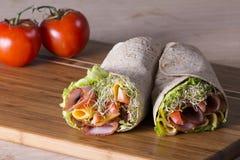 Eingewickelte Tortillasandwichrollen lizenzfreies stockbild