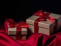 Eingewickelte Weinlesegeschenkbox Kopieren Sie Platz Lizenzfreies Stockbild