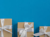 Eingewickelte Weinlesegeschenkbox Kopieren Sie Platz Lizenzfreie Stockfotografie