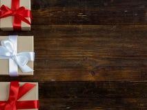 Eingewickelte Weinlesegeschenkbox Kopieren Sie Platz Stockfoto